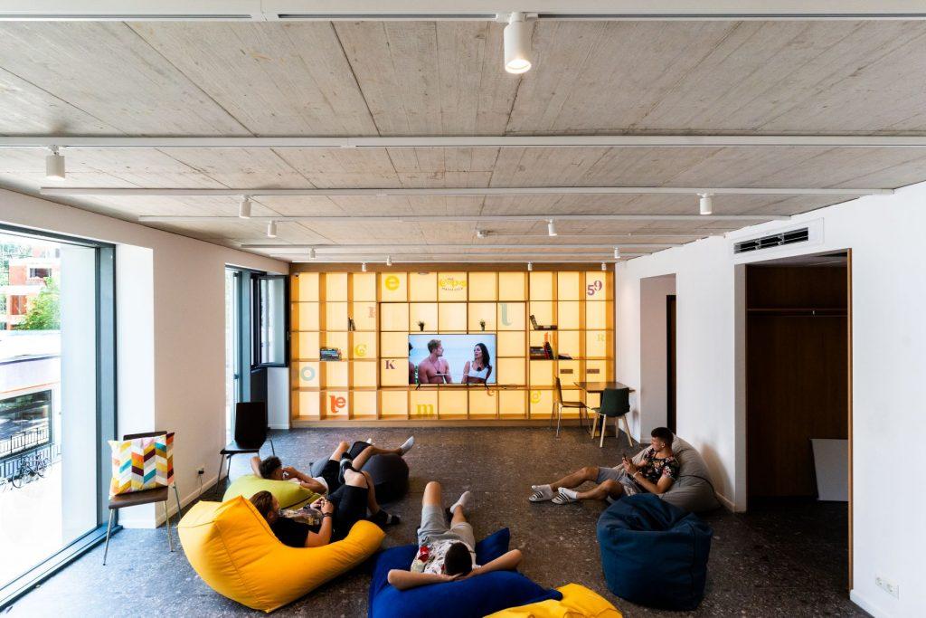 XL Campus Room